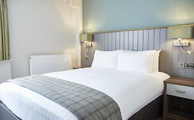 New Inn Newport 3*