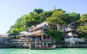 Spiderhouse Resort Boracay