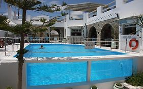 Captain Dounas Apartments And Studios Paros Island