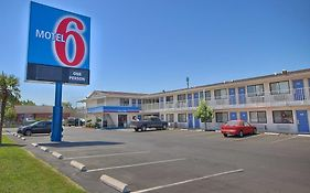 Motel 6 Blackstone