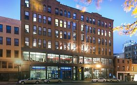 Hostels International Boston