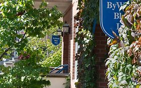 Byward Blue Inn Ottawa