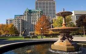 Lord Elgin Hotel in Ottawa