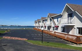 Bridgeview Motel Mackinaw City