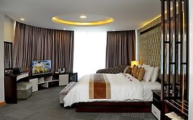 The World Hotel Nha Trang 3*