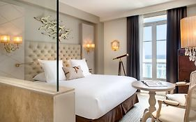 Grand Hotel Des Sablettes Plage Curio Collection by Hilton