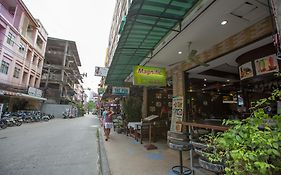 Magnific Guesthouse Patong