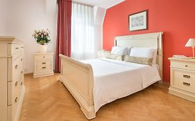 Suite Home Prague