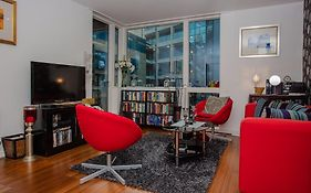 Beautiful Spacious Apartment With Private Balcony London