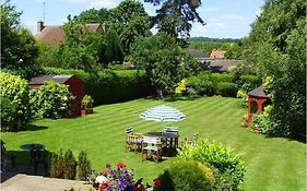 Gables Guest House Oxford 4*