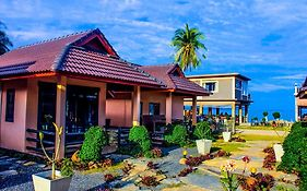 Needa Rock Resort Khanom
