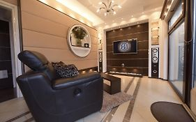 H & V Residence - Bungalow Apartment