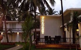 Paparazzi Beach Resort