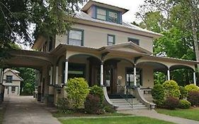 The Glens Falls Inn (Adults Only)