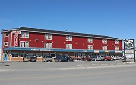 Stop in Family Hotel Whitehorse