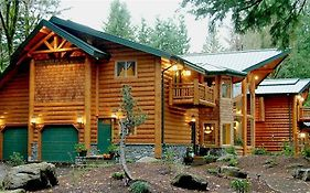 Sandy Salmon Bed And Breakfast Lodge