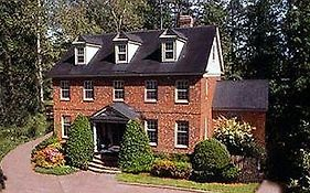 Williamsburg Sampler Bed & Breakfast