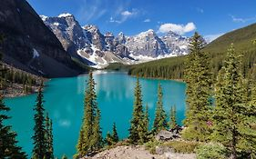 Moraine Lake Resort
