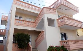 Babis Apartments Platanias