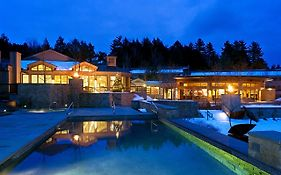 Topnotch Resort
