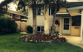 Fireweed Manor Bed And Breakfast (Adults Only)
