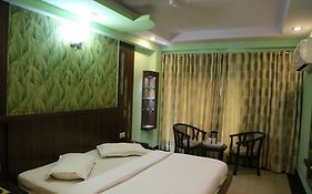 Hotel Grand Plaza Paharganj