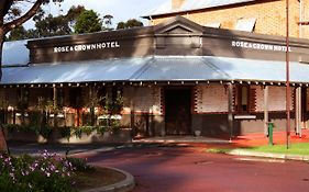 Rose And Crown Hotel Perth