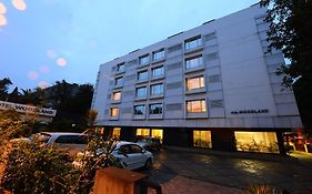 Hotel Woodland in Pune