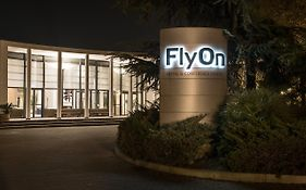 Flyon Hotel & Conference Center Bologna
