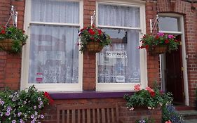 Sea Dogs Guest House Scarborough