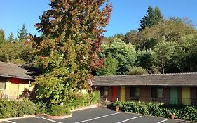Humboldt Redwood Inn