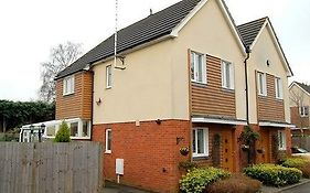 Mayfield Guesthouse Addlestone