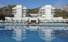 Dosinia Luxury Resort 5 *
