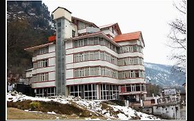 Out Town Hotel Manali