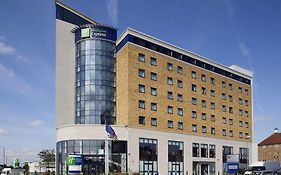 Holiday Inn Express Newbury Park London