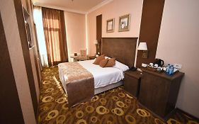 Imperial Palace Hotel 4*