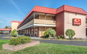 Econo Lodge in West Haven Ct