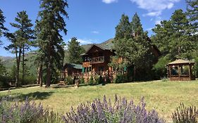 Rocky Mountains Lodge And Cabins
