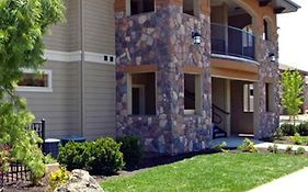 Red Tail Apartments Meridian