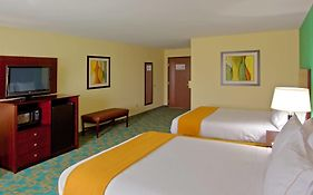Holiday Inn Express Suites Thornburg Va