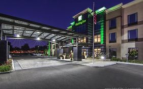 Holiday Inn in Carlsbad