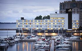 Delta Hotels By Marriott Waterfront  4*