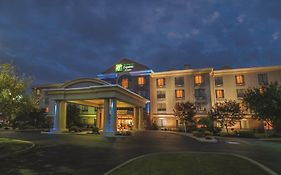 Holiday Inn Express Hotel & Suites Buffalo Airport