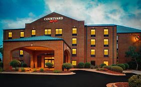 Courtyard New Bern Hotel