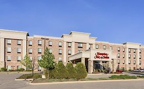 Hampton Inn And Suites West Bend Wi