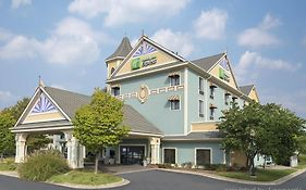 Holiday Inn Express Holland  2* United States