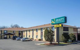Quality Inn And Suites West Bend Wi