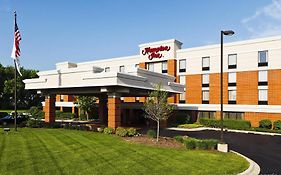 Hampton Inn Mchenry Illinois