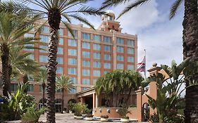 Renaissance Tampa International Plaza Hotel Shuttle