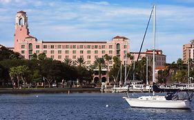 Vinoy Renaissance Resort And Golf Club